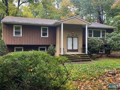 Photo of 553 Blueberry Place, Franklin Lakes, NJ 07417 (MLS # 20043806)