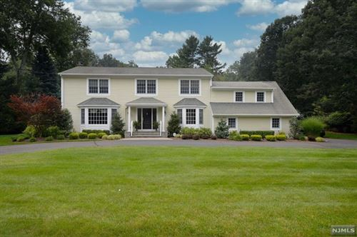 Photo of 652 High Mountain Road, Franklin Lakes, NJ 07417 (MLS # 21029853)