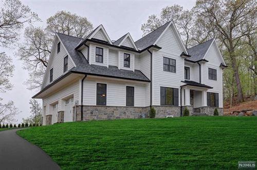 Photo of 889 Hilltop Terrace, Franklin Lakes, NJ 07417 (MLS # 20015854)