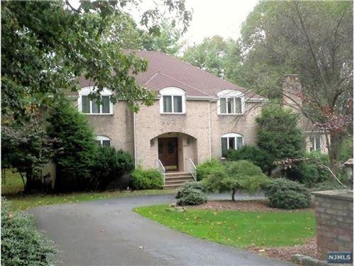 Photo of 322 Freemans Lane, Franklin Lakes, NJ 07417 (MLS # 1945896)