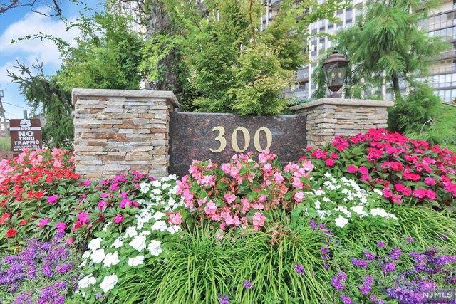 300 Winston Drive #2523, Cliffside Park, NJ 07010 - #: 20004948