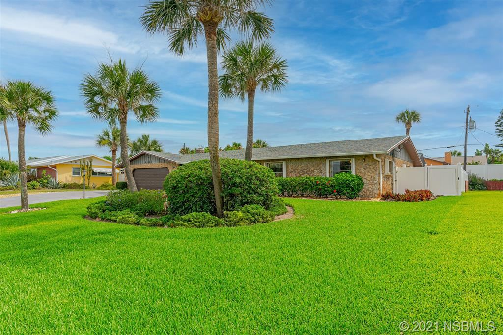 Photo of 4333 S Peninsula Drive, Ponce Inlet, FL 32127 (MLS # 1064063)