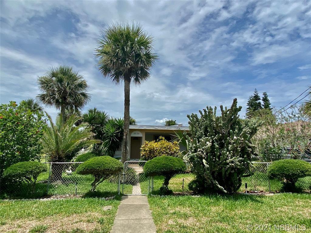 Photo of 3524 Cardinal Boulevard, Daytona Beach, FL 32118 (MLS # 1064066)