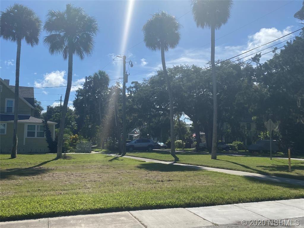 Photo of 102 N Gardiner Court, Daytona Beach, FL 32114 (MLS # 1060134)