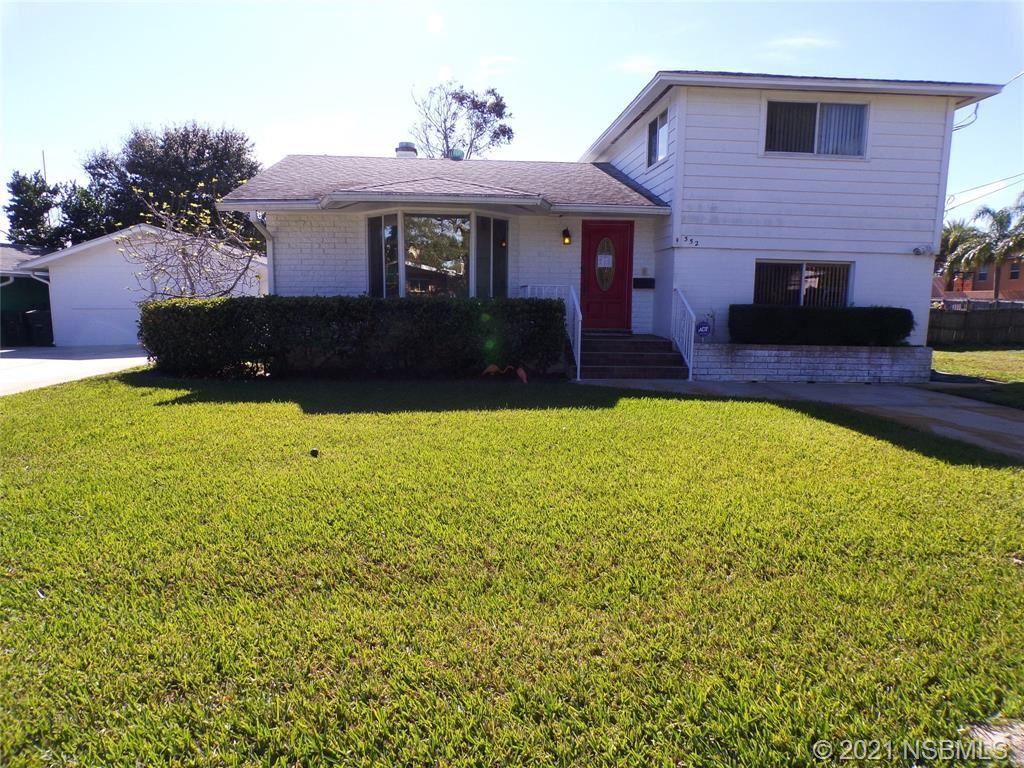 Photo of 352 Flushing Avenue, Daytona Beach, FL 32118 (MLS # 1062209)