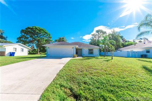 Photo of 1427 Victory Palm Drive, Edgewater, FL 32132 (MLS # 1066212)