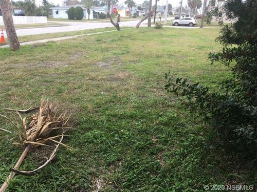 Photo of 1521 N Grandview Avenue, Daytona Beach, FL 32118 (MLS # 1057333)