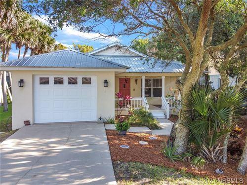 Photo of 914 E 1st Avenue, New Smyrna Beach, FL 32169 (MLS # 1063389)