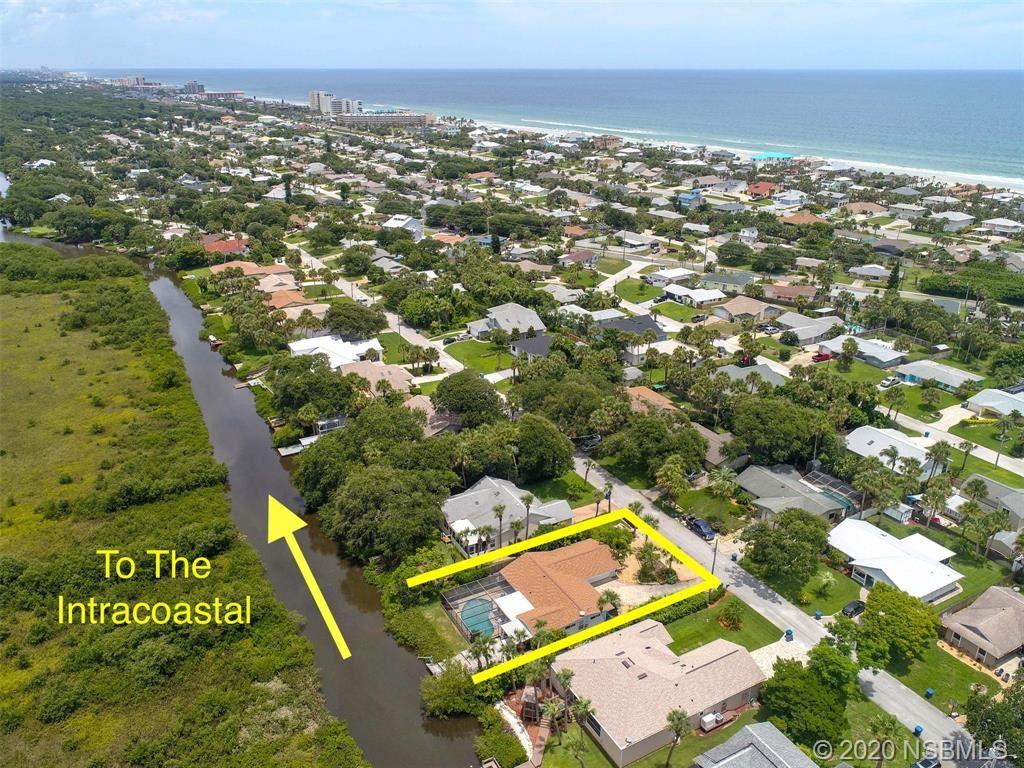 Photo of 40 Oak Tree Drive, New Smyrna Beach, FL 32169 (MLS # 1059854)