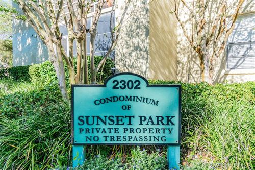 Photo of 2302 S Manhattan Avenue #114, Out of Area, FL 33629 (MLS # 1057863)