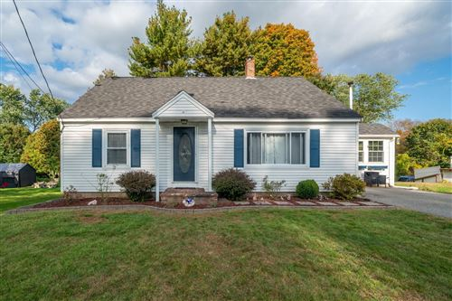 Photo of 13 Spinney Avenue, Plaistow, NH 03865 (MLS # 4887112)