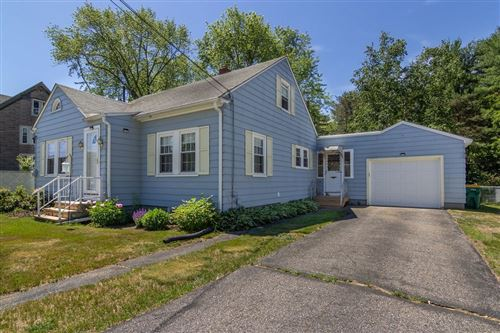 Photo of 9 Crowhill Road, Rochester, NH 03868 (MLS # 4813409)