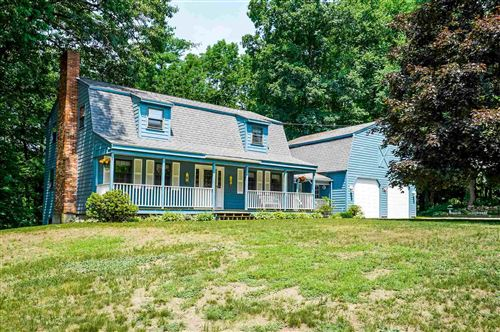 Photo of 9 Country Road, Hampstead, NH 03826 (MLS # 4815879)