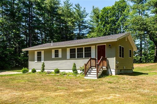 Photo of 71 Middle Road, Brentwood, NH 03833 (MLS # 4807909)