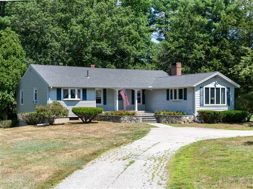 Photo of 235 Middle Road, Brentwood, NH 03833 (MLS # 4819913)