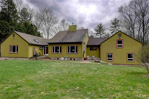 Photo of 40 Carriage Lane, Bedford, NH 03110 (MLS # 4794967)