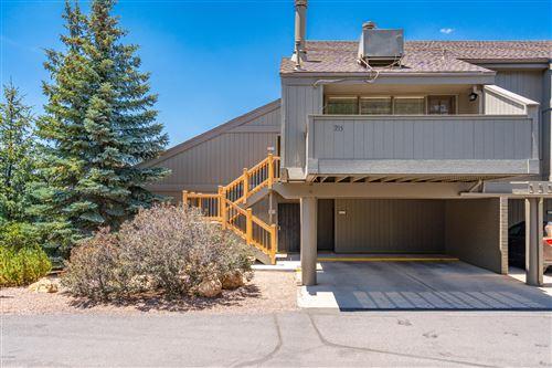 Photo of 2650 Valley View Drive #235, Flagstaff, AZ 86004 (MLS # 182020)