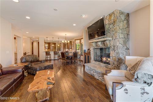 Photo of 1491 E Castle Hills Drive, Flagstaff, AZ 86005 (MLS # 186083)
