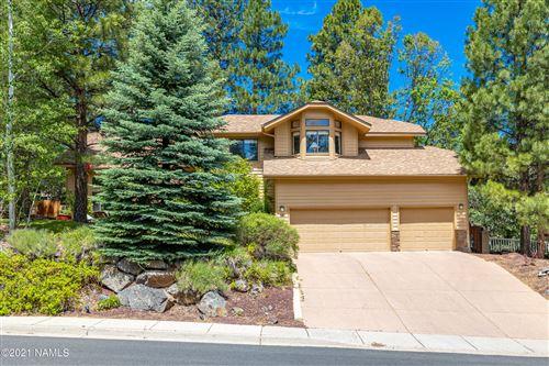 Photo of 933 N Fox Hill Road, Flagstaff, AZ 86004 (MLS # 186153)