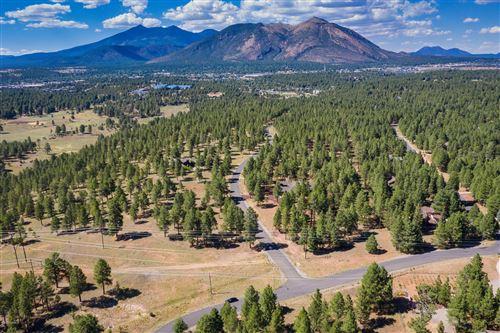 Photo of 4850 E Gandalf Lane, Flagstaff, AZ 86004 (MLS # 180370)