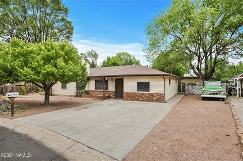 Photo of 2814 E Burkhart Drive, Flagstaff, AZ 86004 (MLS # 186452)