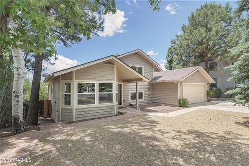 Photo of 2335 E Forest Heights Drive, Flagstaff, AZ 86004 (MLS # 186557)
