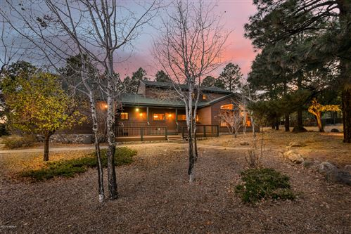 Photo of 8445 Caballo Way, Flagstaff, AZ 86004 (MLS # 179589)