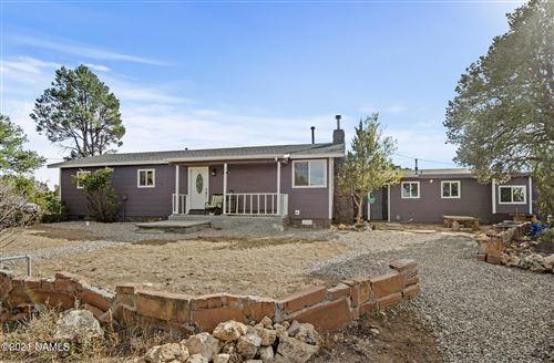 Photo of 10030 Townsend Winona Road, Flagstaff, AZ 86004 (MLS # 187788)
