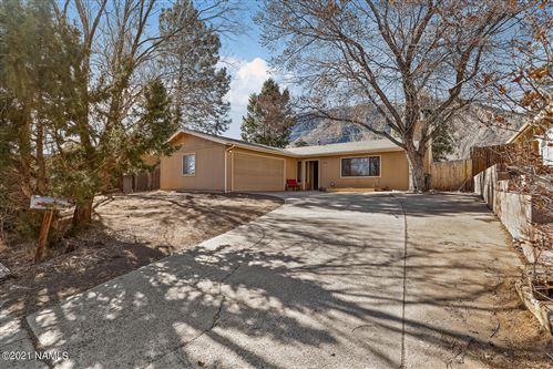Photo of 5845 N Smokerise Drive, Flagstaff, AZ 86004 (MLS # 184789)