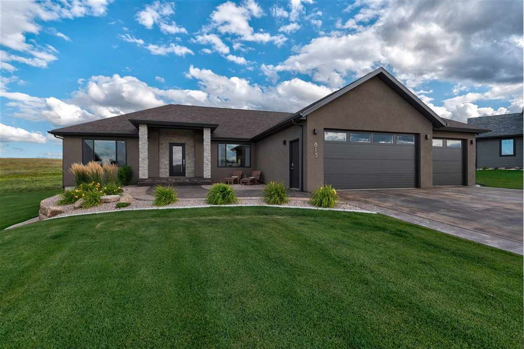 Photo for 813 Maple Circle, Spearfish, SD 57783 (MLS # 62639)