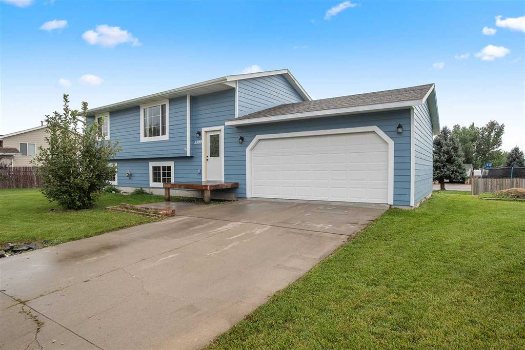 Photo for 5399 Windmere Way, Rapid City, SD 57703 (MLS # 62643)