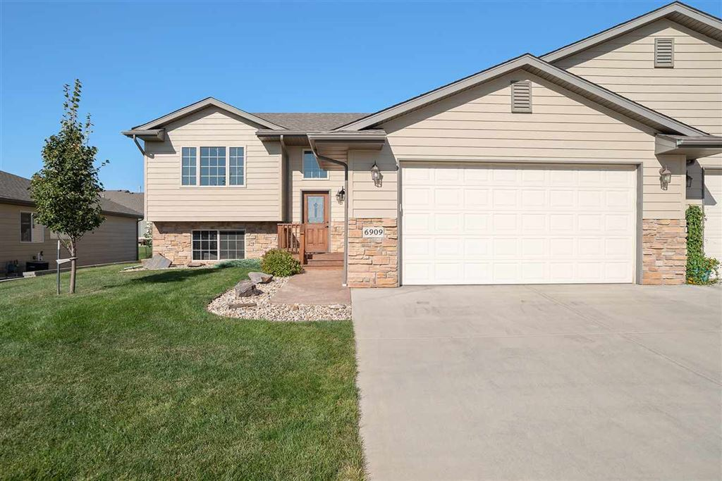 Photo for 6909 Cog Hill Lane, Rapid City, SD 57702 (MLS # 62644)