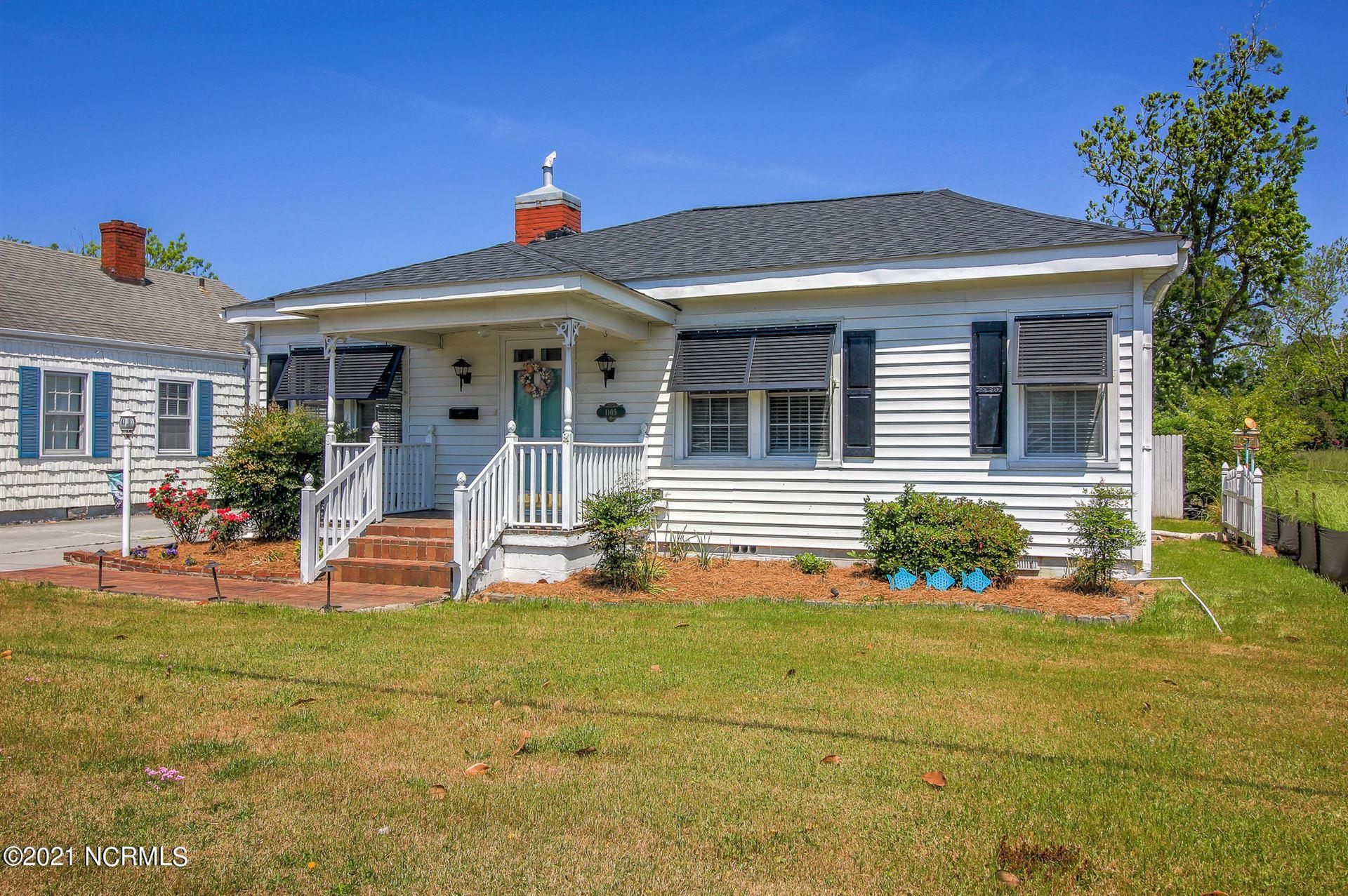 Photo of 1105 Live Oak Street, Beaufort, NC 28516 (MLS # 100270006)