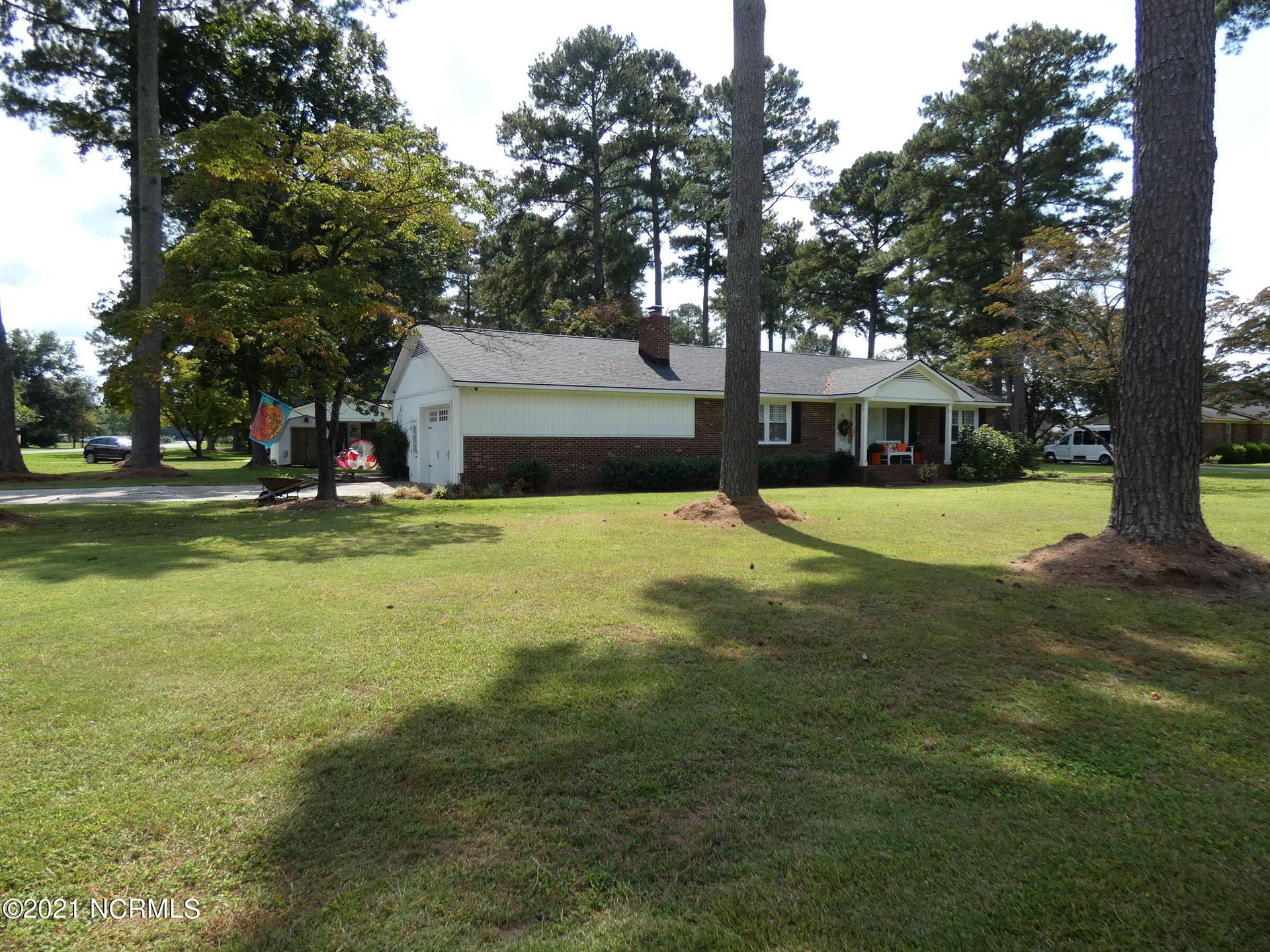 Photo of 606 Fairfax Street, Clinton, NC 28328 (MLS # 100291006)