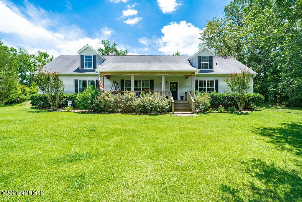 Photo for 103 Woodcliff Drive, Rocky Point, NC 28457 (MLS # 100278007)