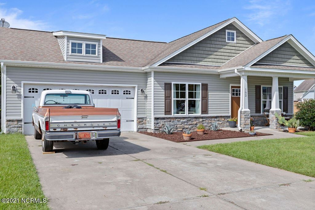 Photo of 102 Saw Grass Drive, Jacksonville, NC 28540 (MLS # 100290014)