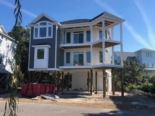 Photo of 117 Windjammer Drive Drive, Surf City, NC 28445 (MLS # 100294014)