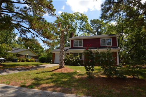 Photo of 208 Greenbriar Drive, Jacksonville, NC 28546 (MLS # 100226028)