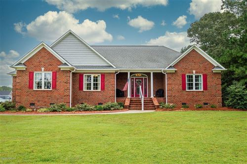 Photo of 137 Quail Woods Drive, New Bern, NC 28560 (MLS # 100236038)