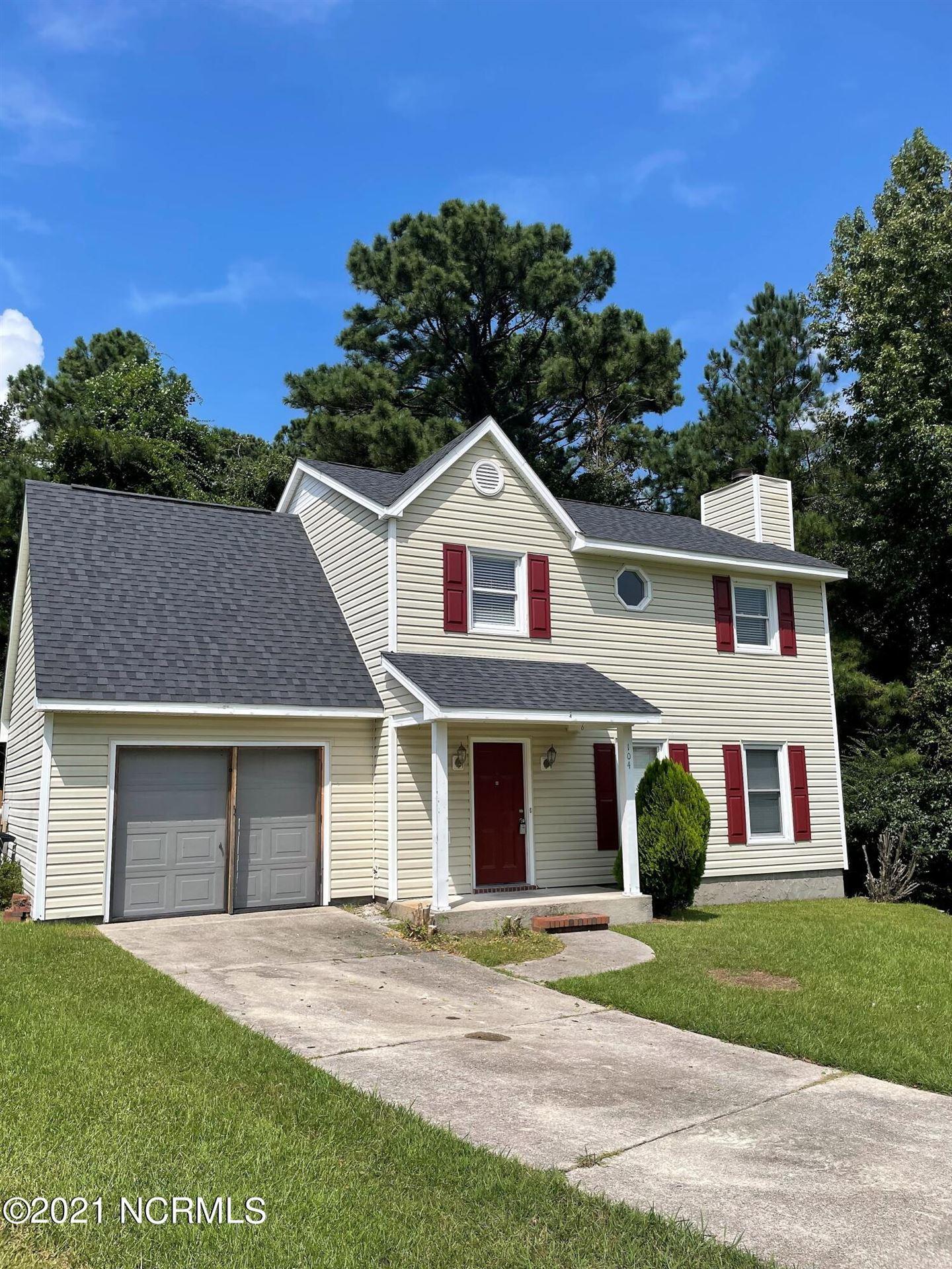 Photo of 104 W Pebble Court, Jacksonville, NC 28546 (MLS # 100290047)