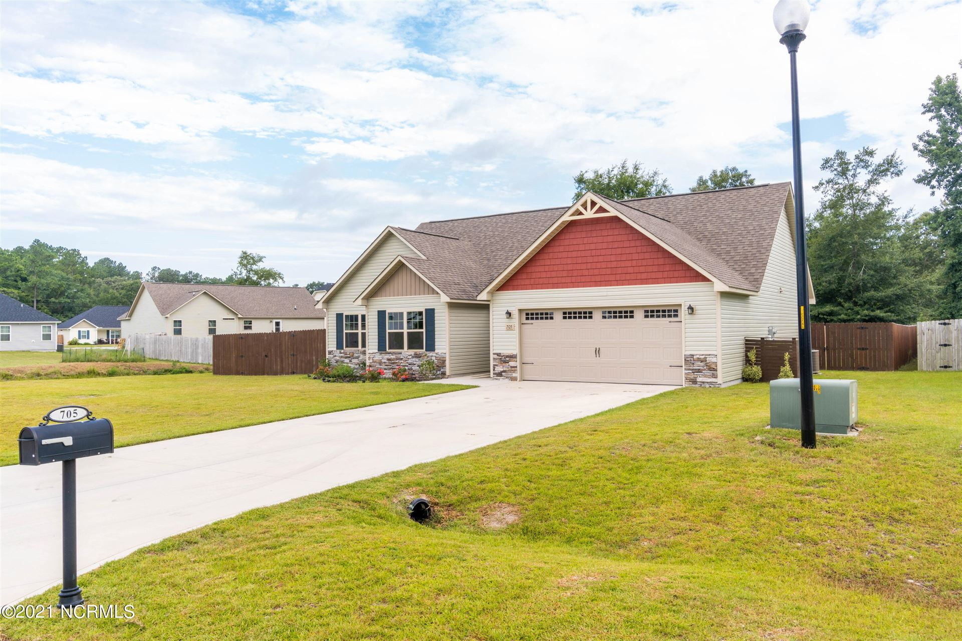 Photo of 705 Addor Drive, Richlands, NC 28574 (MLS # 100289052)