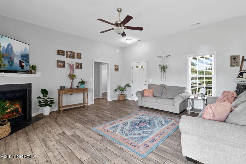 Photo of 149 Forbes Estates Drive, Jacksonville, NC 28540 (MLS # 100291054)