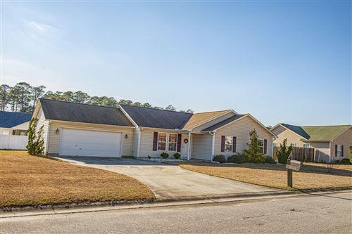 Photo of 214 Bear Trail, New Bern, NC 28562 (MLS # 100205056)