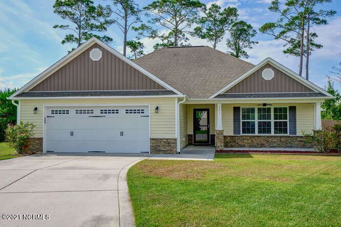 Photo of 201 Marsh Haven Drive, Sneads Ferry, NC 28460 (MLS # 100290060)