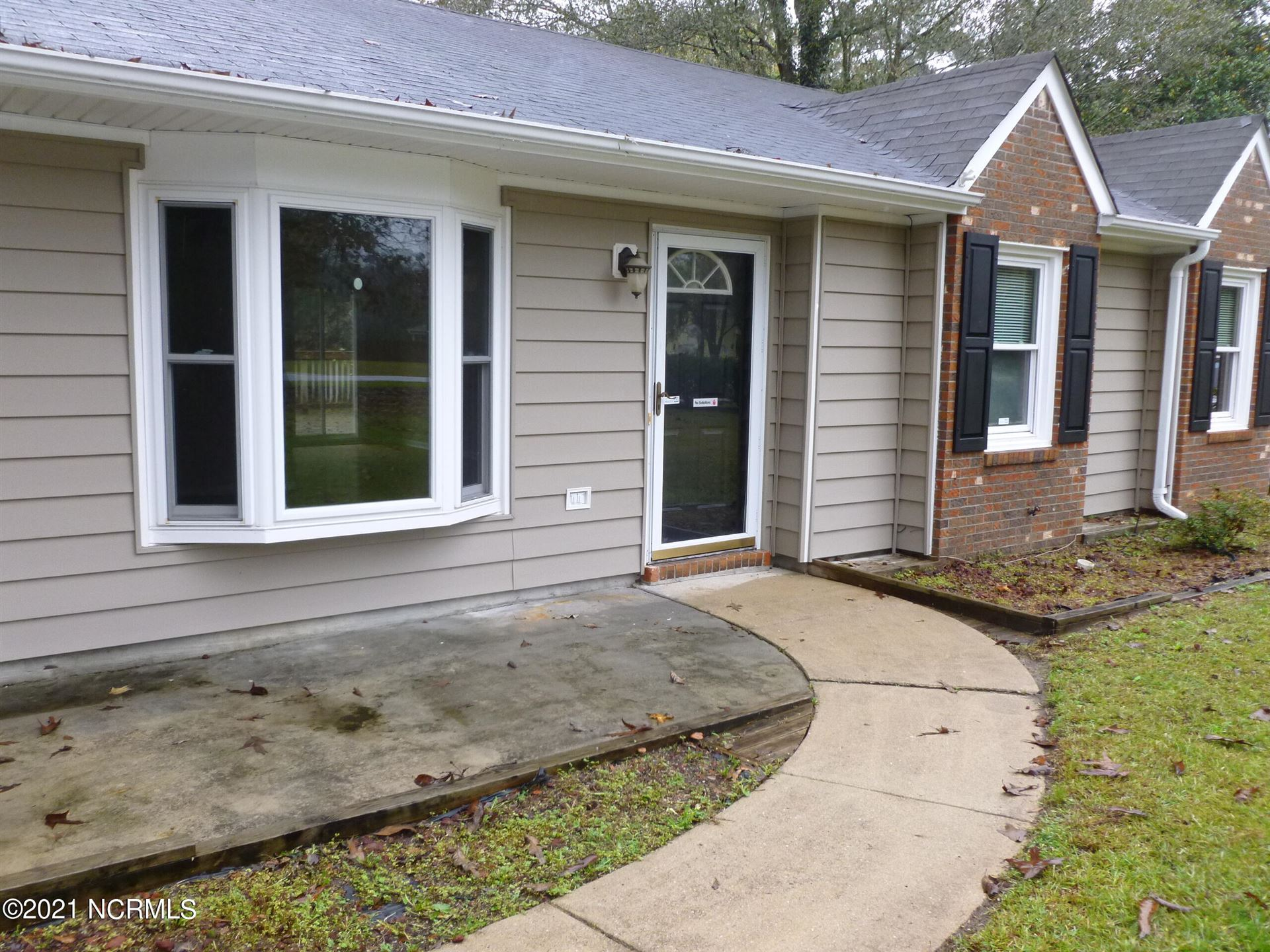 Photo of 1120 Lakeview Avenue, Richlands, NC 28574 (MLS # 100293061)