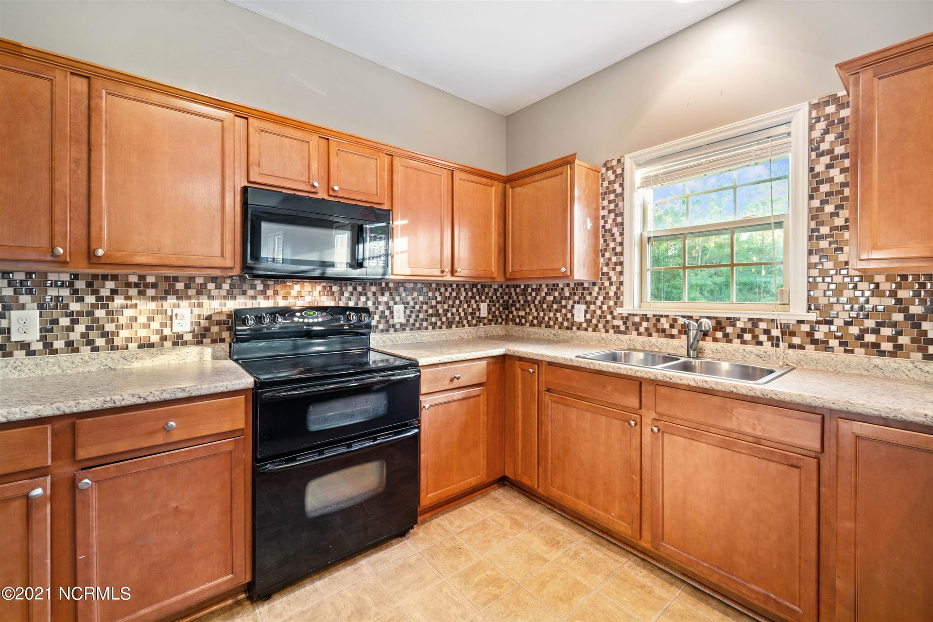 Photo of 120 Sunny Point Drive, Richlands, NC 28574 (MLS # 100296064)