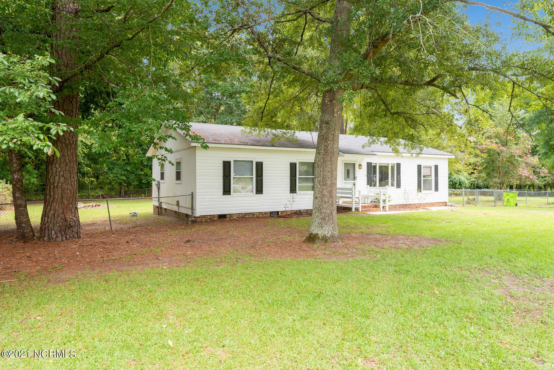 Photo of 185 Chips Road, Vanceboro, NC 28586 (MLS # 100284069)