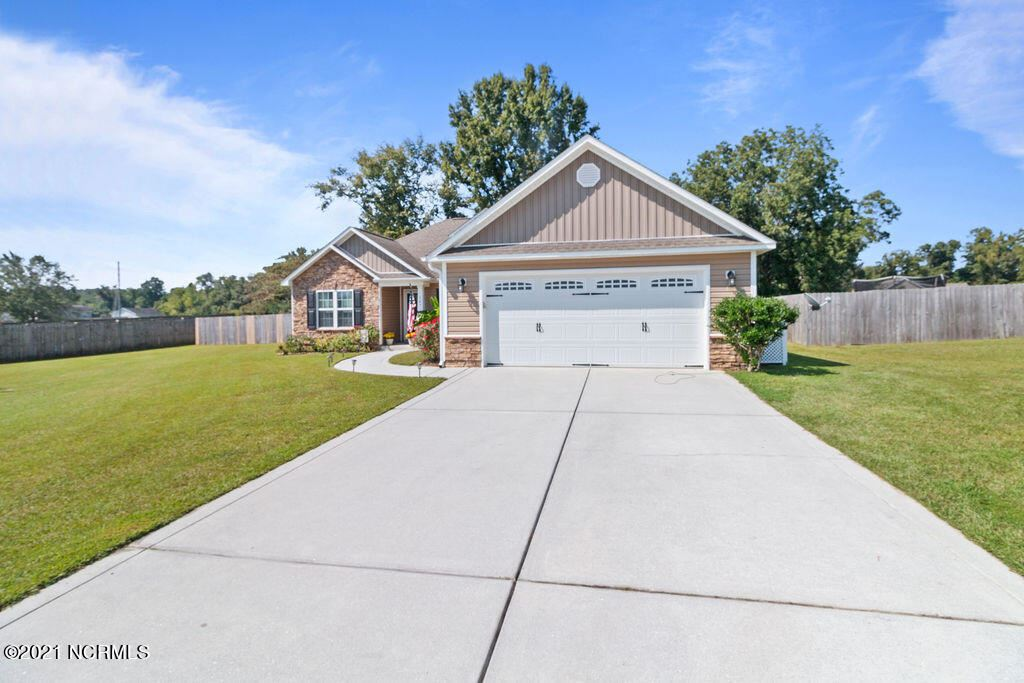 Photo of 107 Prelude Drive, Richlands, NC 28574 (MLS # 100293069)