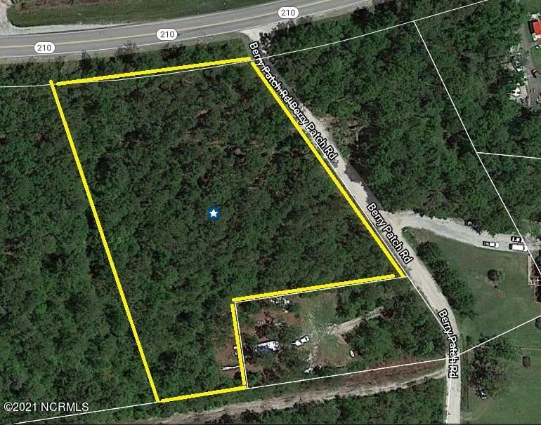 Photo for 1 Berry Patch Road, Hampstead, NC 28443 (MLS # 100284071)