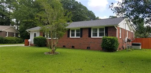 Photo of 527 Forest Circle, Jacksonville, NC 28540 (MLS # 100225073)